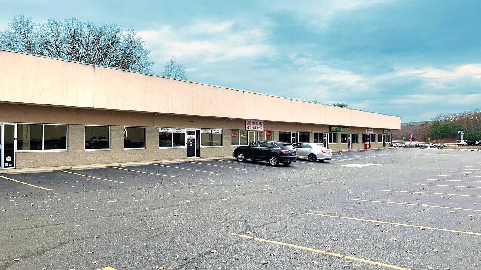 31 Thompson Road, Webster, Massachusetts 01570, Retail / Restaurant,For Lease,Thompson Road,1,1305